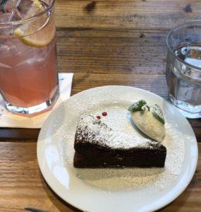 赤坂にある【SALTY SUNNY BONDI CAFE】で勝ち組の空気を吸い込むの至福!