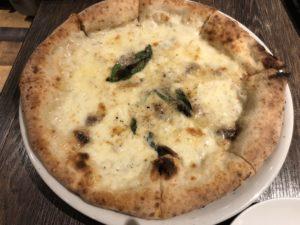 池袋 WACCAにある【Trattoria&Pizzeria LOGIC】でピザ食え!近くのアニメイトで漫画買ってる場合じゃない!