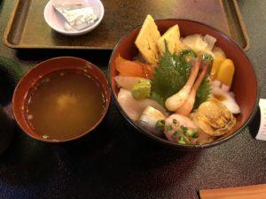 お台場にある【大江戸温泉物語 丼処 蝦夷たらば丸】で食べる飯が美味い!温泉も良いし食事も美味いしGOOD!