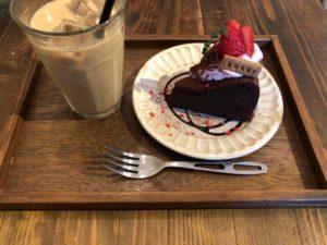 大塚にある【SOROR(ソロル)】のケーキが美味い!そして、インスタの為に写真撮りまくる奴……早く店出ろや!