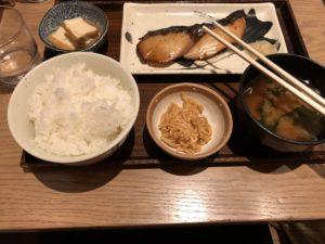 渋谷にある【土鍋炊ごはん なかよし】の鰆定食が旨い!田舎の婆ちゃんの味って感じや…