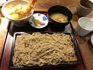 新宿にある【手打ちそば 大庵(だいあん)】は店内の雰囲気がオシャレすぎる、ホントに蕎麦屋か?