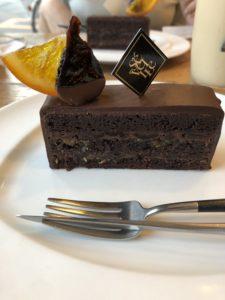 自由が丘にある【patisserie Paris S'eveille(パティスリー・パリセヴェイユ)】のケーキが美味い!THE・自由が丘って感じや