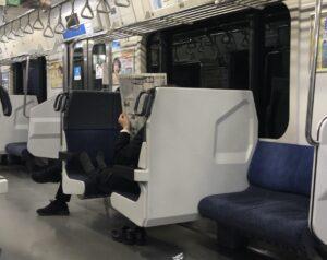 電車内でオッサンが行う悪行の数々